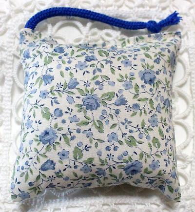ミニミニキッカー(おざぶ) 小花柄ブルー