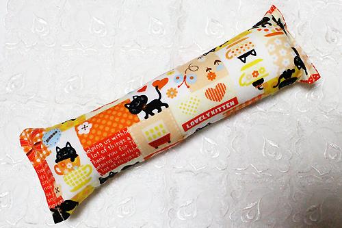 またたび入り手作りキッカー 猫とハート柄オレンジ