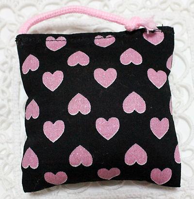 ミニミニキッカー(おざぶ) キラキラハート柄ブラック×ピンク