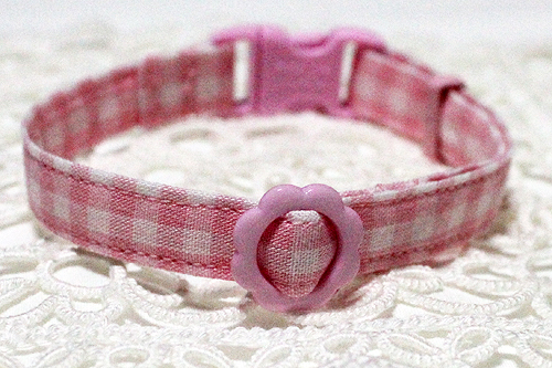 手作り首輪、チェック柄ピンク、フラワーバックル
