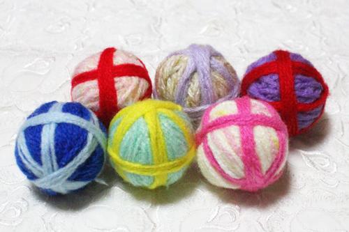 鈴入り毛糸玉クルカラボール3個セット、クルクルカラフルボールです