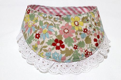 おしゃれ首輪2リバーシブルバンダナフリフリレース 花柄×ピンクストライプ1