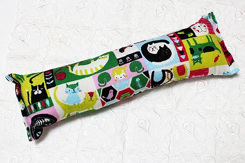 手作りキッカー 猫の世界カラフル系