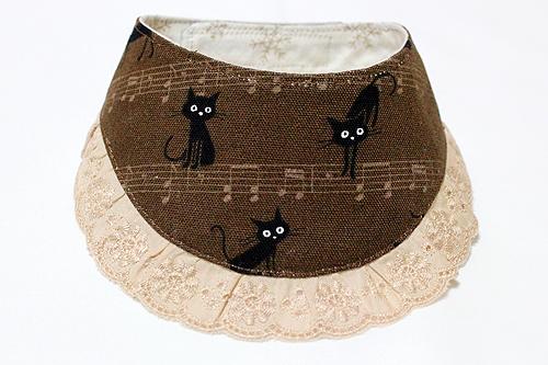 おしゃれ首輪2リバーシブルバンダナフリフリレース 猫と音符ブラウン×スノー1