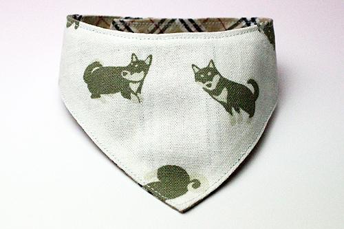 おしゃれ首輪2リバーシブルバンダナ 犬柄×チェック(キャメル)1