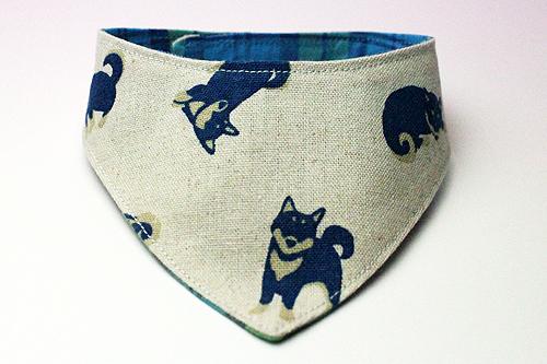 おしゃれ首輪2リバーシブルバンダナ 犬柄×チェック(ブルー)1