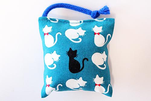 ミニミニキッカー(おざぶ)シルエットリボン猫ブルー