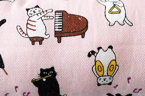 またたび入り手作りキッカー猫の演奏会ピンク柄拡大