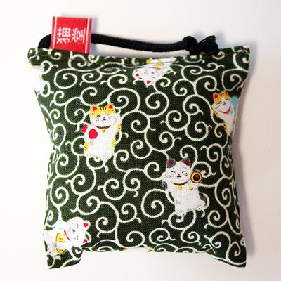 ミニミニキッカー(おざぶ)唐草と招き猫緑