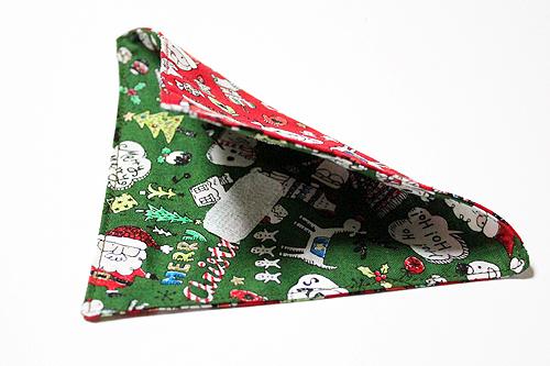 猫の首輪用、付け替えバンダナ クリスマス柄レッド(裏面はグリーン)