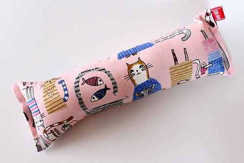 またたび入り手作りキッカー「しっぽの長い猫」ピンク